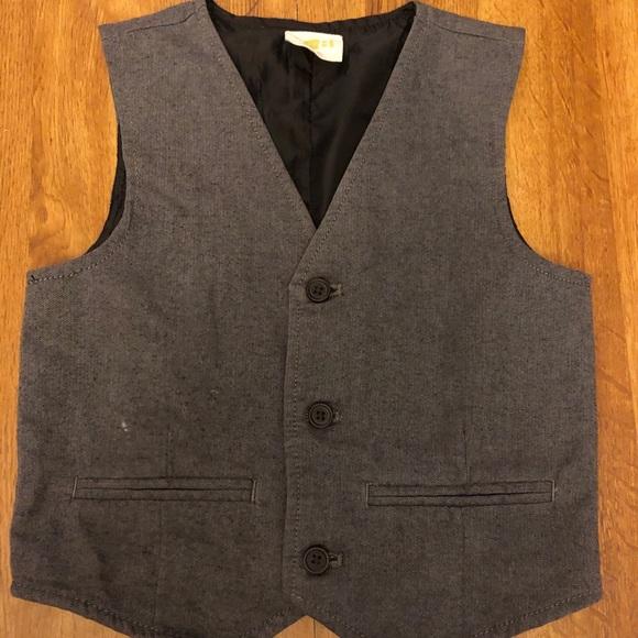 Crazy 8 light gray vest